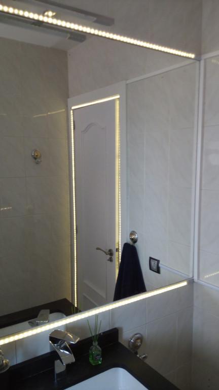 portfolio 2/31  - Tiras led en baño