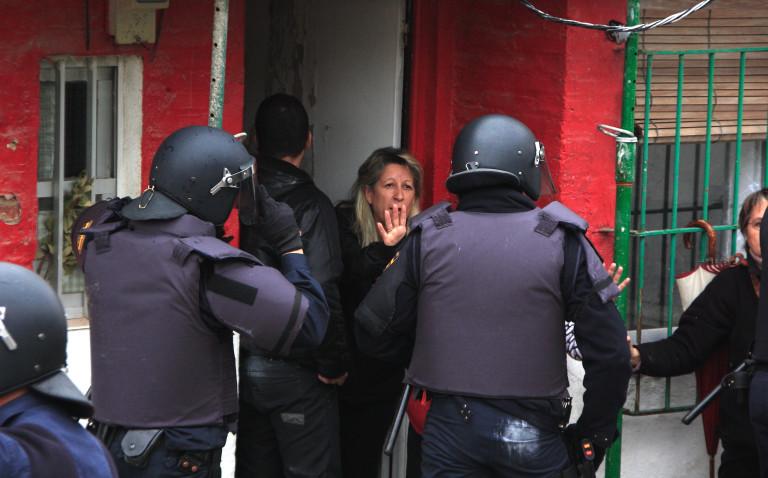 portfolio 15/40  - SOCIAL Desahucio ejecutado en Hortaleza. 2011