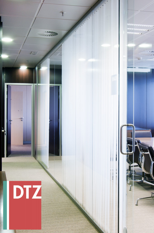 portfolio 32/52  - DTZ, interior, Spain, 2007.