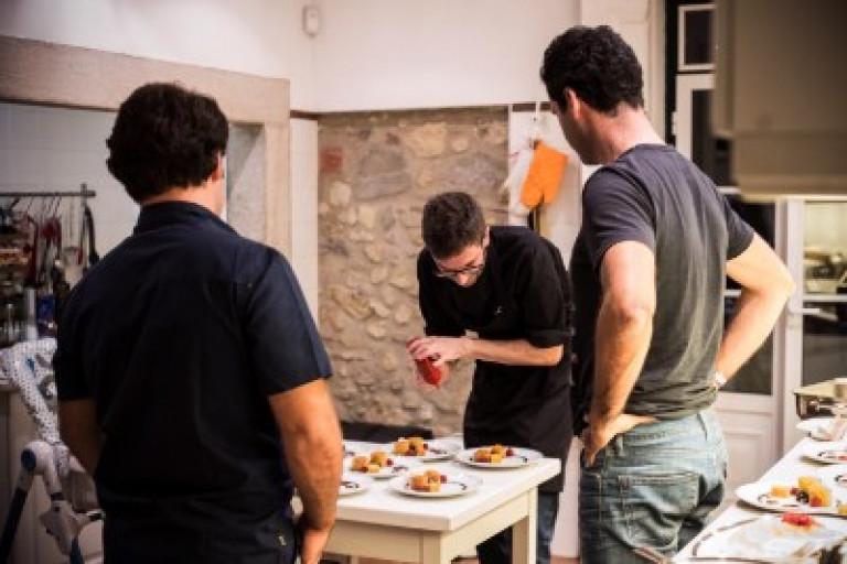 portfolio 4/8  - Chef cocina, emplata y al finalizar deja la cocina tal y como lo encontró