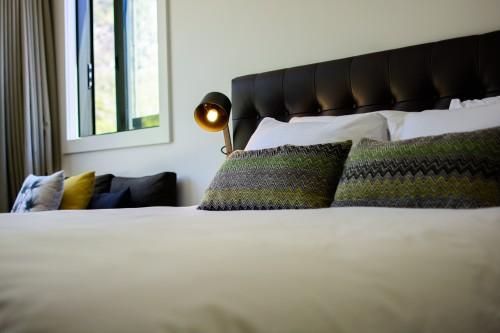 portfolio 14/15  - Cama infinita en el Hotel Milford Sound Lodge, Nueva Zelanda