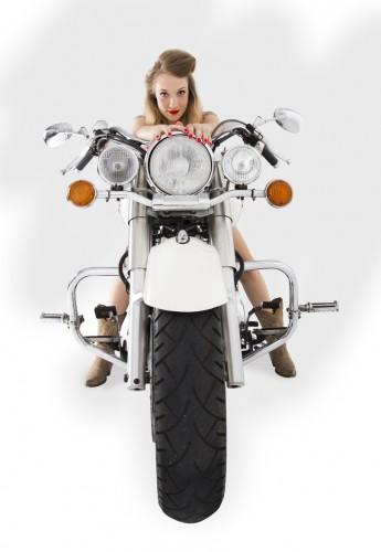 portfolio 11/20  - Rubia en moto