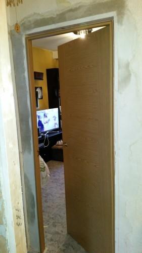 portfolio 211/287  - colocación de precercos y puertas de interior en una vivienda