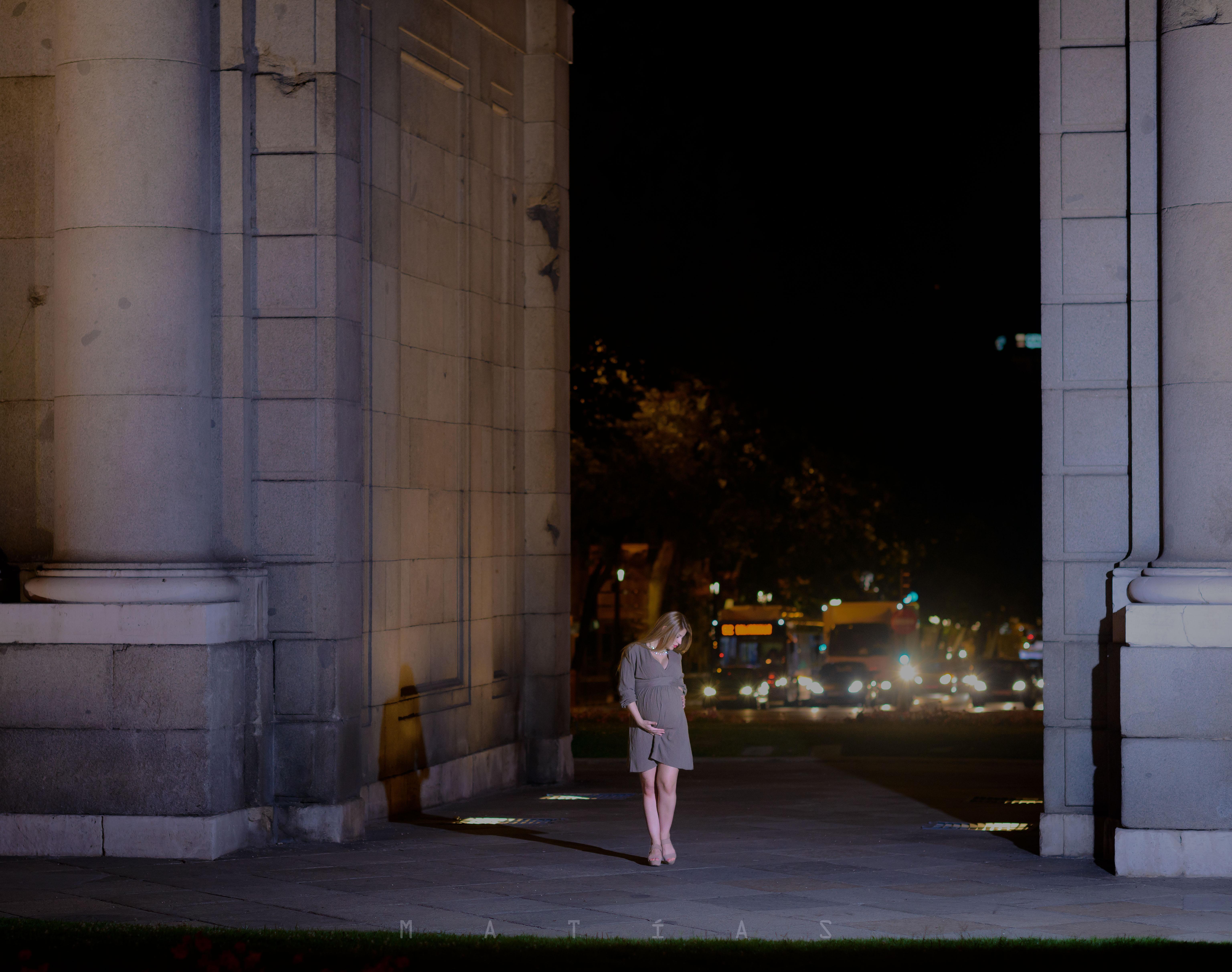 portfolio 25/33  - Karen en la noche de Madrid