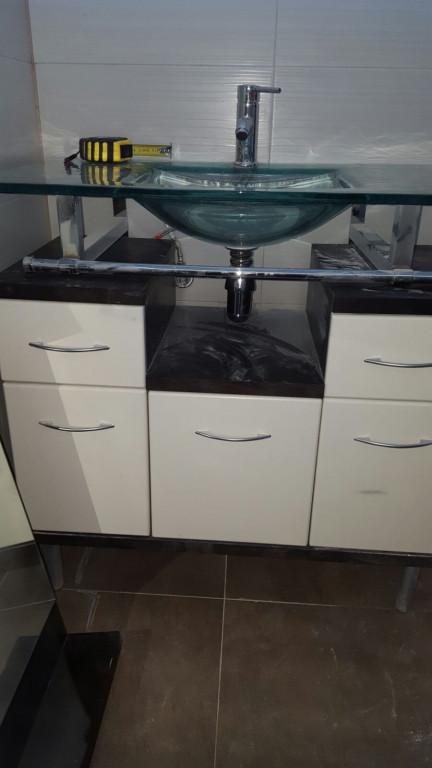 portfolio 23/28  - montaje de mueble de baño