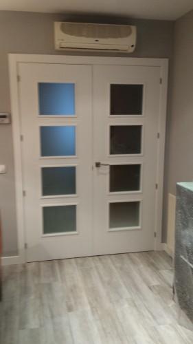 portfolio 4/6  - Suministro e instalacion de puertas.