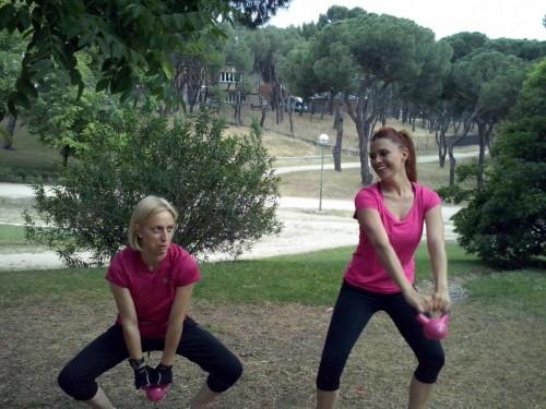 portfolio 23/34  - entrenando en el parque de la dehesa de la villa con mis clientas