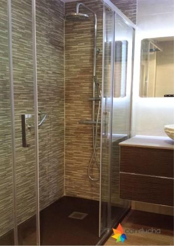 portfolio 1/18  - Baño completo. 2995 ?. Plato de ducha antideslizante, mampara, mueble de baño, inodoro, plaqueta  y conjunto de ducha.