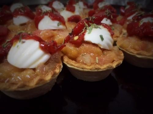 portfolio 11/18  - Tartar de Tomate con Ricota y pimientos confitados