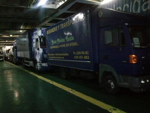 portfolio 1/6  - Camión embarcado camino de Mallorca