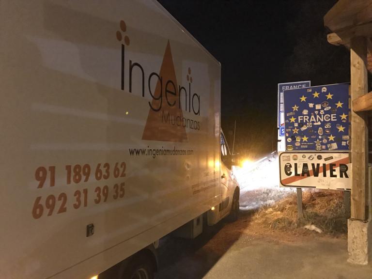 portfolio 11/42  - Mudanzas Internacionales... Frontera de Francia e Italia