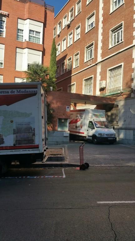 portfolio 32/39  - Cargando camión Gol Madrid SL