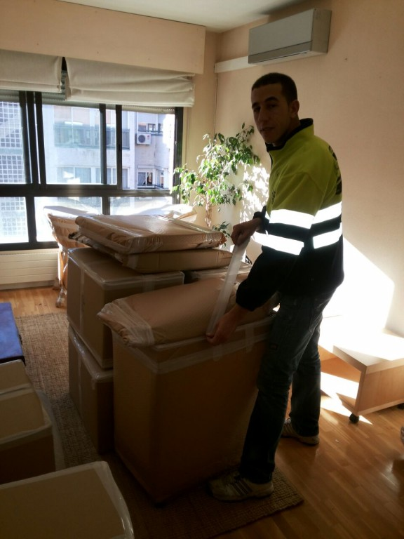 portfolio 23/39  - Responsabilidad por cuidar sus muebles Gol Madrid