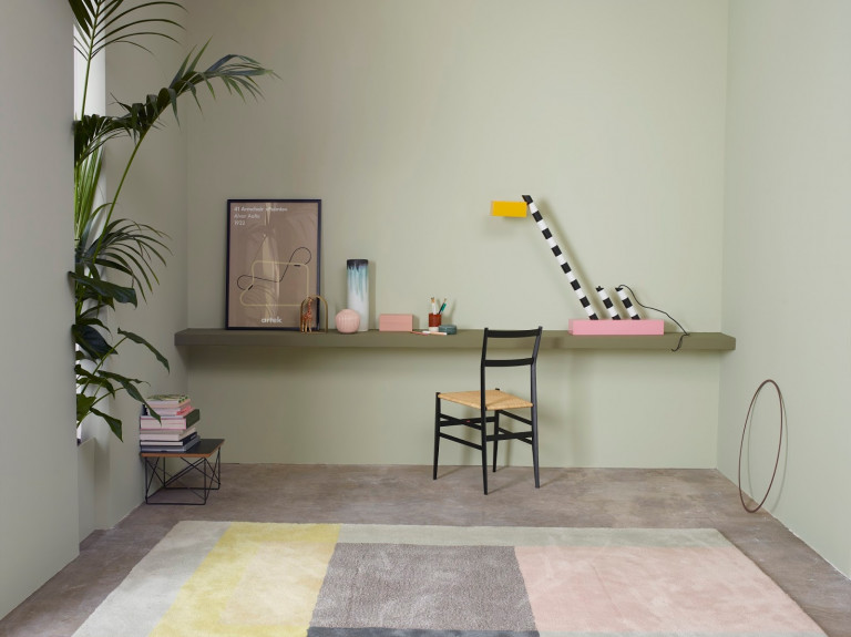 portfolio 54/81  - Alisado, aplicación pintura acrílica Marca Valentine