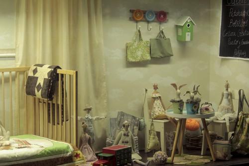 portfolio 104/143  - Transformación y Montaje del escaparate de una fontanería a tienda infantil.