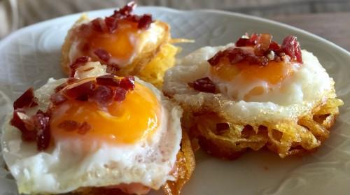 portfolio 20/33  - rosti de patata crujiente con huevo de codorniz y jamón ibérico