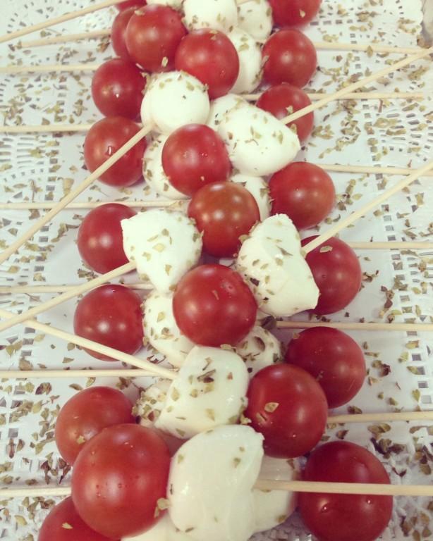 portfolio 2/44  - Brochetas de Cherry y Mozzarella